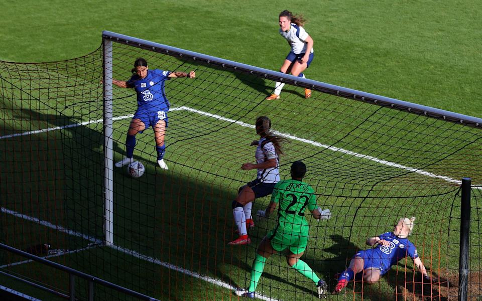 Chelsea one win away from Women's Super League title after outclassing Tottenham - GETTY IMAGES