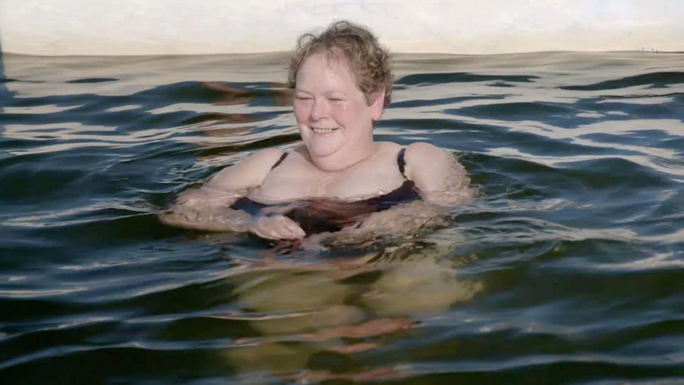 Anne Hegerty takes a swim with dolphins in the Chasers' new spin-off (Photo: ITV)