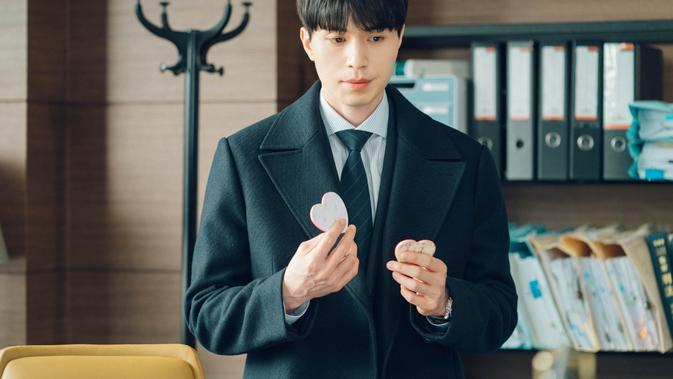 Lee Dong Wook di serial Touch Your Heart. (Foto:Netflix)