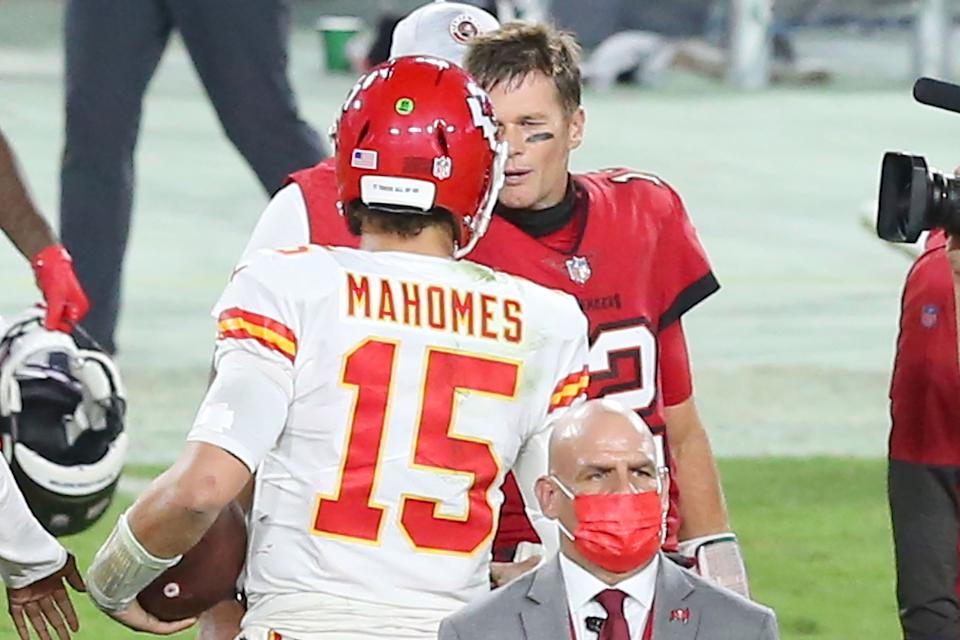 TAMPA, FL - NOVEMBER 29: Tom Brady (12) of the Buccaneers shakes hands with Patrick Mahomes (15) of the Chiefs after the regular season game between the Kansas City Chiefs and the Tampa Bay Buccaneers on November 29, 2020 at Raymond James Stadium in Tampa, Florida. (Photo by Cliff Welch/Icon Sportswire via Getty Images)