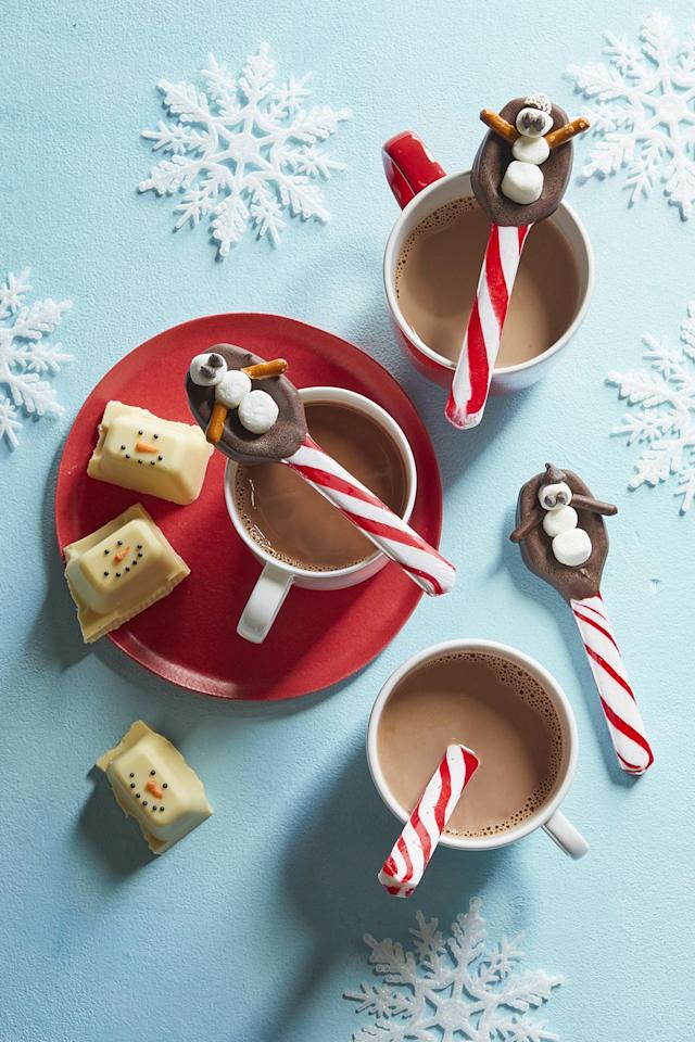 """<p>When the weather outside is frightful, grab a steaming cup of hot cocoa and one of these minty snowman spoons. It'll warm your kids right up.</p><p><strong><a rel=""""nofollow"""" href=""""https://www.womansday.com/food-recipes/food-drinks/recipes/a60669/snowman-spoons-recipe/"""">Get the recipe.</a></strong></p><p><strong>What you'll need: </strong>Candy cane spoons ($15, <a rel=""""nofollow"""" href=""""https://www.amazon.com/Fun-Express-146-1574-Candy-Spoons/dp/B0046NVSG2/"""">amazon.com</a>)</p>"""