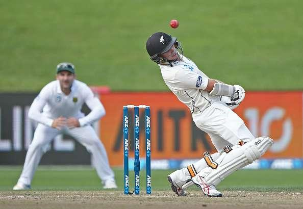 HAMILTON, NEW ZEALAND - MARCH 27: Tom Latham of New Zealand bats during day three of the Test match between New Zealand and South Africa at Seddon Park on March 27, 2017 in Hamilton, New Zealand. (Photo by Dave Rowland/Getty Images)