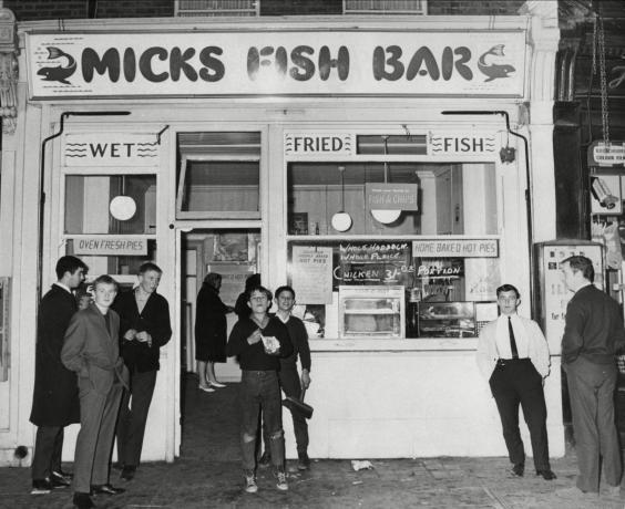 Micks Fish and Chip Shop in East Stepney (18 October 1964) (Peter Elinskas/ANL/Shutterstock)