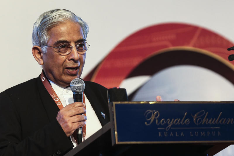 Institutional Reforms Committee Member Prof Datuk Shad Saleem Faruqi gives a speech during the International Malaysia Law Conference at the Royale Chulan Hotel, Kuala Lumpur August 15, 2018. — Picture by Hari Anggara