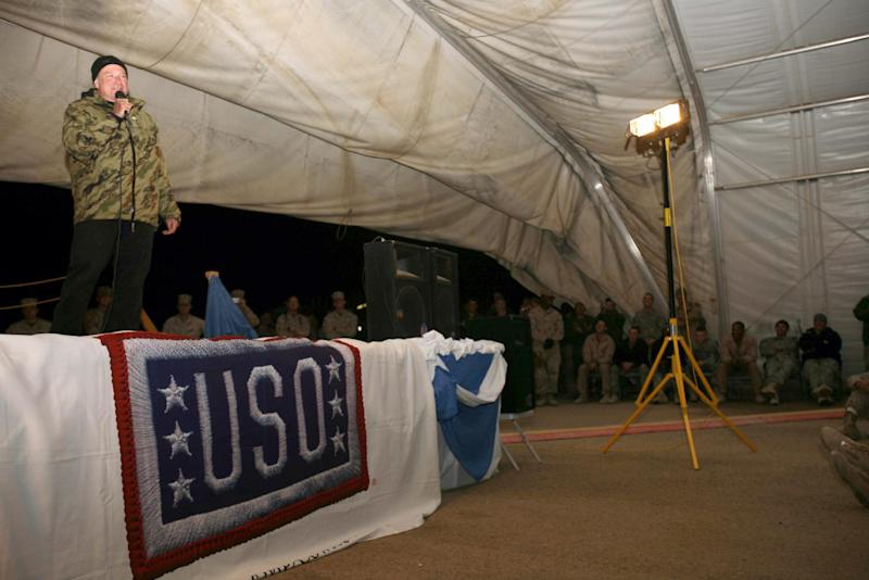 In this December 18, 2007 US Marine Corps photo, US actor and comedian Robin Williams performs at Camp Al Taqaddum, Iraq (AFP Photo/Cpl Michael J O'Brien)