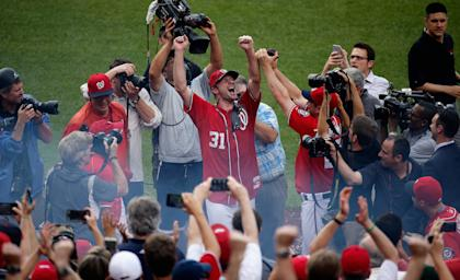 Max Scherzer celebrates after throwing a no hitter in the Nationals' 6-0 win over Pirates. (Getty)