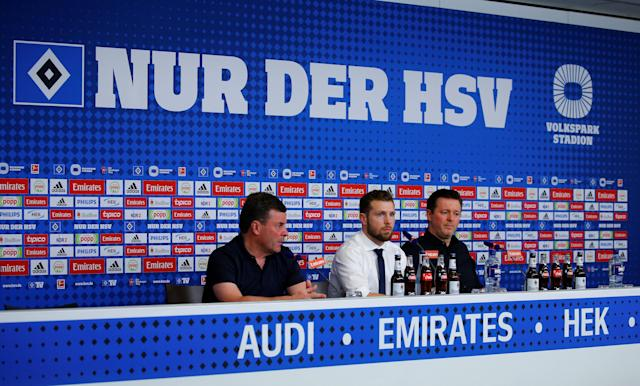 Soccer Football - Bundesliga - Hamburger SV v Borussia Moenchengladbach - Volksparkstadion, Hamburg, Germany - May 12, 2018 Hamburg coach Christian Titz (R) and Borussia Monchengladbach coach Dieter Hecking (L) during a press conference after the match REUTERS/Morris Mac Matzen DFL RULES TO LIMIT THE ONLINE USAGE DURING MATCH TIME TO 15 PICTURES PER GAME. IMAGE SEQUENCES TO SIMULATE VIDEO IS NOT ALLOWED AT ANY TIME. FOR FURTHER QUERIES PLEASE CONTACT DFL DIRECTLY AT + 49 69 650050