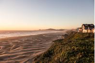 <p>A beach in Newport, a town along the coast in Oregon between the coastal mountains, the Pacific Ocean and Yaquina Bay.</p>