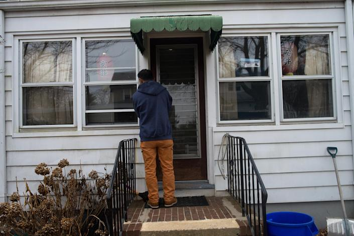 Harry Pangemanan and his family were able to return home in Highland Park, N.J., on Feb. 4. (Photo: Alan Chin for Yahoo News)