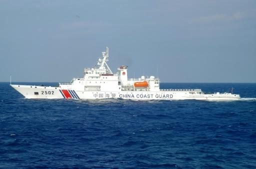 Chinese ships sail near disputed islands with Japan