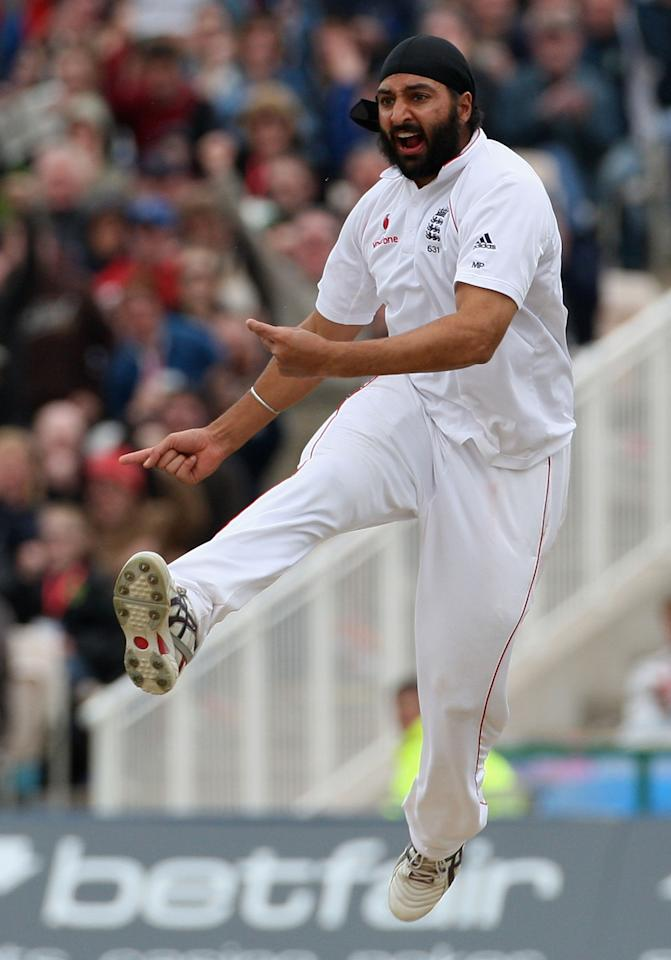 MANCHESTER, UNITED KINGDOM - MAY 25:  Monty Panesar of England celebrates the wicket of Jamie How of New Zealand during the third day of the 2nd npower Test Match between England and New Zealand at Old Trafford Cricket Ground on May 25, 2008 in Manchester, England.  (Photo by Hamish Blair/Getty Images)