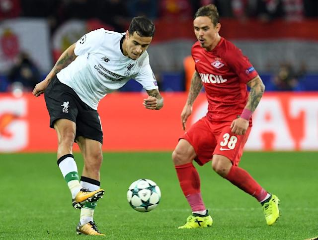 Liverpool's Philippe Coutinho Correia (L) fights for the ball with Spartak Moscow's Andrey Eshchenko during their UEFA Champions League Group E match, at the Otkrytiye Arena stadium in Moscow, on September 26, 2017 (AFP Photo/Kirill KUDRYAVTSEV)