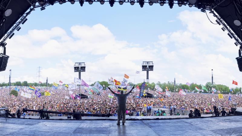Glastonbury tickets sell out in 34 minutes