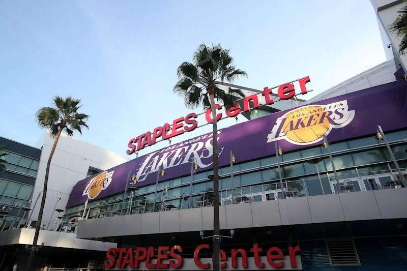 Shop Lakers gear here