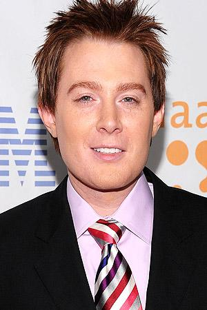 Clay Aiken Admits to Plastic S...