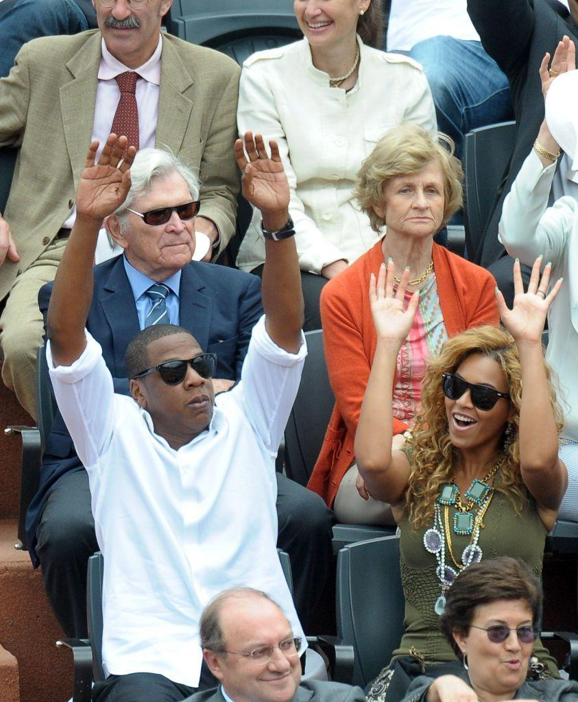 <p>The couple watched the tennis excitedly at a game in Paris in 2010.</p>