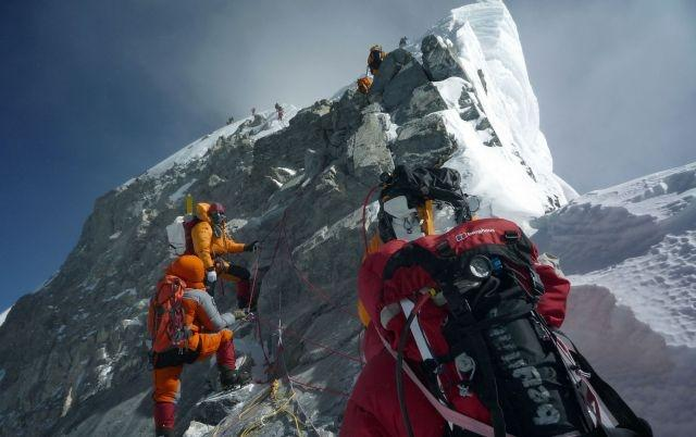 Nepal mulls minimum Everest criteria after deadly season