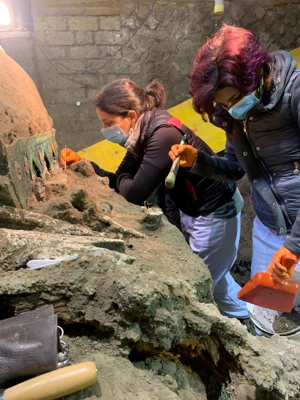 Archeologists uncover an ancient ceremonial carriage near Pompeii