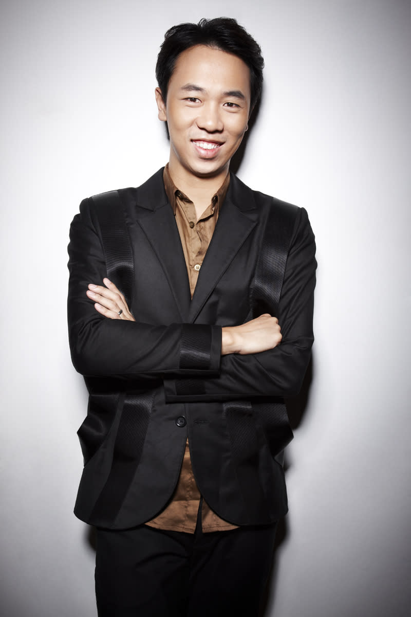 """<p><b>Alaric Tay, 33</b></p> <p><b>Actor</b></p> <br> <p>Alaric Tay is best known as the endearing nasal newscaster Andre Chichak, in Mediacorp Channel 5's popular parody show """"The Noose"""". His performance has earned him continuous recognition at the Asian Television Awards, receiving a nomination for """"Best Comedy Actor""""two years in a row in 2010 and 2011. </p> <br> <p>Since his beginnings in the entertainment industry at 17, Alaric has taken on diverse roles, including leads in tele-movies like """"Ang Tao Mui"""", """"The Adventures of Holden Heng"""", and a well-received comic turn in the dramedy, """"Money"""". </p> <br> <p>With various performance credits to his name, Alaric is an active participant in the film and entertainment community. He has produced, written and directed several short films that have received critical acclaim at international film festivals around the world. </p> <br> <p>Alaric was given the Diamond Award for Best NSF Artiste by the SAF Music & Drama Company in 2003. His film """"When We Were Bengs"""" clinched multiple awards at the ReelHeART International Film Festival in Canada. """"18 Grams of Love"""",a project in which Alaric was the lead actor was also given multiple awards at the 13th Lyon Asian Film Festival.</p> <br> <p>Alaric is represented by FLY Entertainment.</p>"""