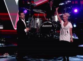 Adam Levine Dismisses Christina Aguilera The Voice Feud, Says He 'Loves Her'