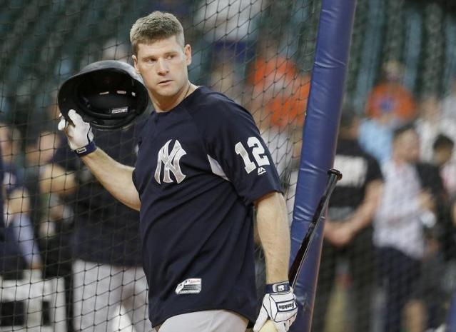 "New York Yankees' Chase Headley takes batting practice before Game 1 of baseball's American League Championship Series against the <a class=""link rapid-noclick-resp"" href=""/mlb/teams/hou/"" data-ylk=""slk:Houston Astros"">Houston Astros</a> Friday, Oct. 13, 2017, in Houston. (AP Photo/Tony Gutierrez)"