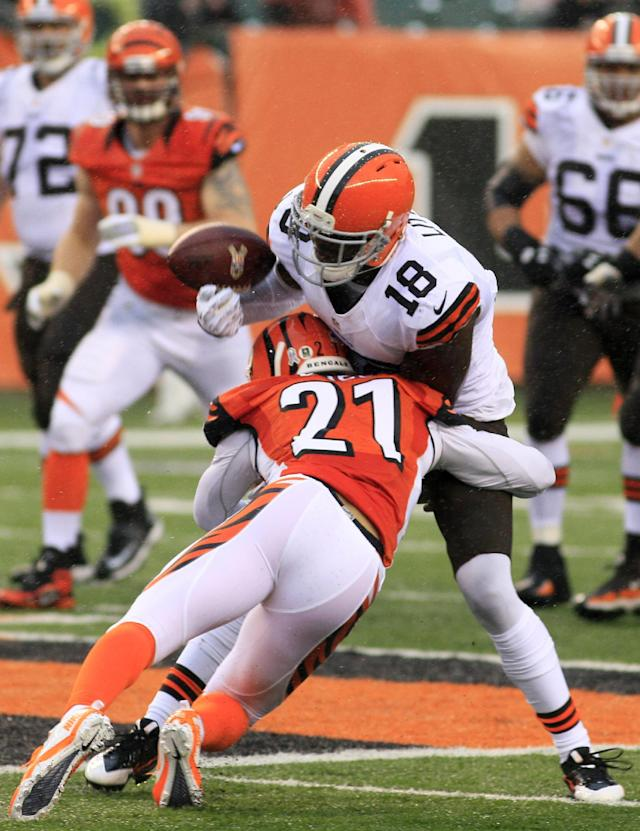 Browns' Little sorry for role in Carolina mess