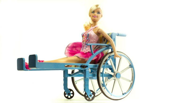 Barbies and other similar-size dolls can use the new wheelchair. (Photo: Nickolay Lamm)