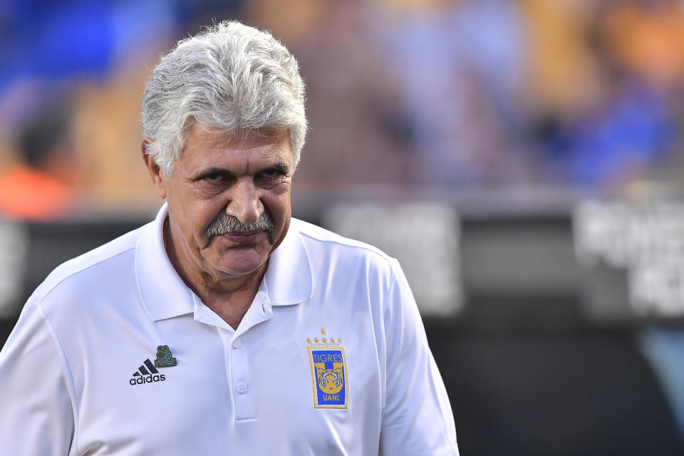 MONTERREY, MEXICO - APRIL 06: Ricardo 'Tuca' Ferretti, coach of Tigres, looks on prior the 23th round match between Tigres UANL and Pumas UNAM as part of the Torneo Clausura 2019 Liga MX at Universitario Stadium on April 06, 2019 in Monterrey, Mexico. (Photo by Azael Rodriguez/Getty Images)