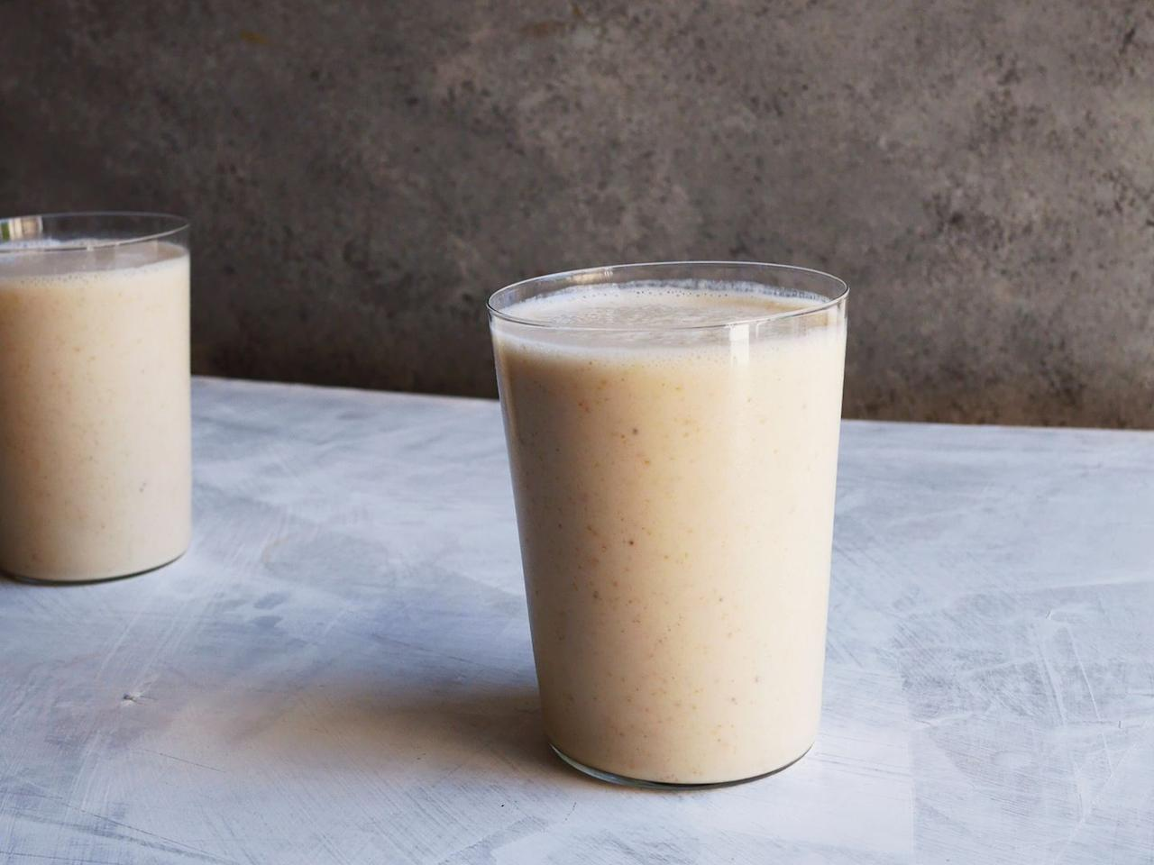 "<p>If you love banana milkshakes, this smoothie—packed with flaxseeds and yogurt—is its healthy BFF.</p><p>Get the <a href=""https://www.delish.com/uk/cocktails-drinks/a29990459/healthy-banana-smoothie-recipe/"" target=""_blank"">Banana Smoothie</a> recipe. </p>"