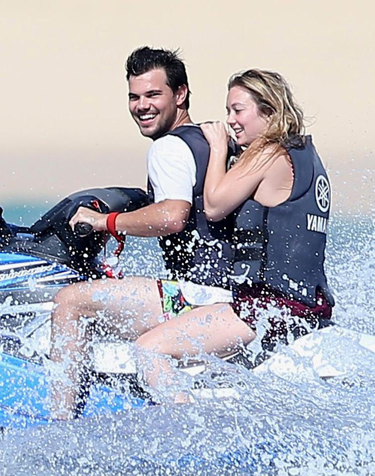 "<p>Actor Taylor Lautner took girlfriend Billie Lourd to <a rel=""nofollow"" href=""https://www.yahoo.com/celebrity/billie-lourd-vacations-taylor-lautner-154024996.html"">relax in Cabo San Lucas, Mexico</a>, following the deaths of her mother, Carrie Fisher, and grandmother, Debbie Reynolds. The devastated <i>Scream Queens</i> actress managed to forget her troubles at least for a moment. (Photo: FameFlynet) </p>"