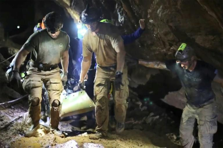 Aussie hero divers relive Thai cave rescue
