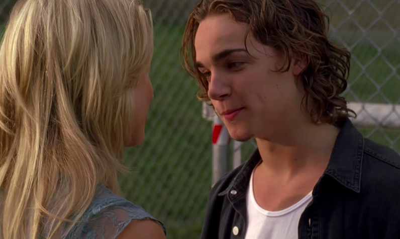 Look, Emma may have married Spinner, but there's no denying that these two were iconic. Sean was the OG bad boy and Emma was the love of his life. From Sean saving Emma in the school shooting to
