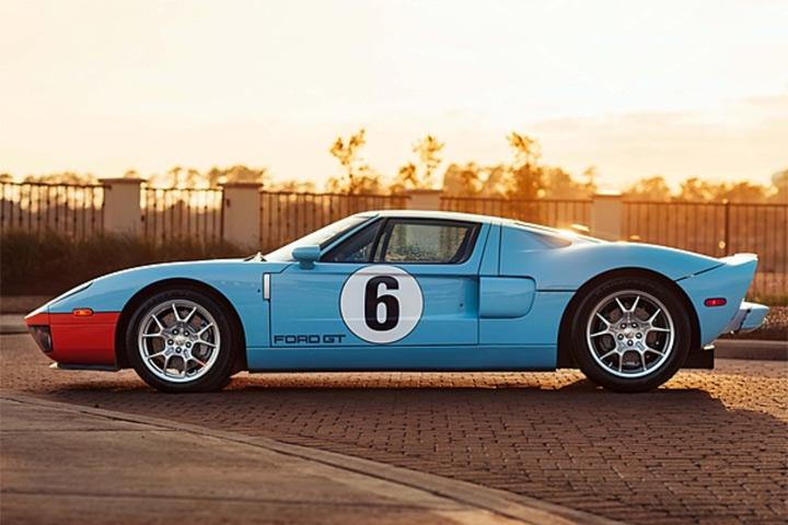 13 Mile Ford Gt Heritage Sells For An Incredible 475 000