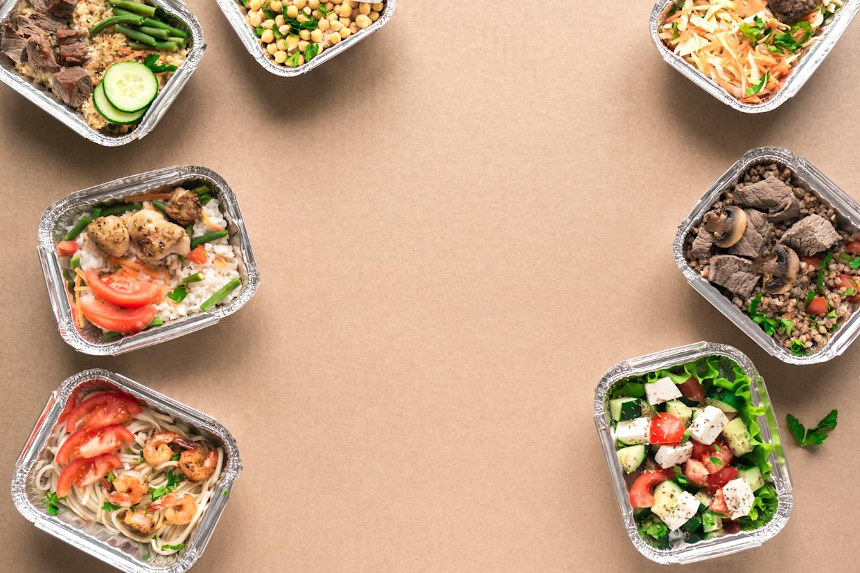 Getting food delivered may be safer than going outside. Here's all the information you need to make sure of it. (Photo: Getty Images)