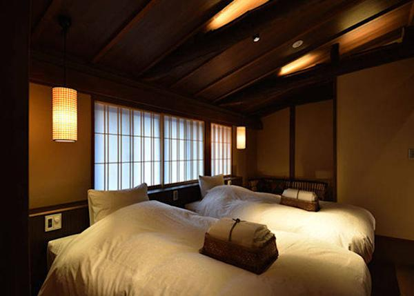 ▲Fuji-murasaki Twin Bedroom. 2 persons, 23,000 yen each plus tax on weekdays, 2 meals included.