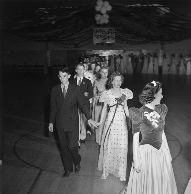 1942: High school seniors at their prom in Greenbelt, Md. (Photo: Getty Images)