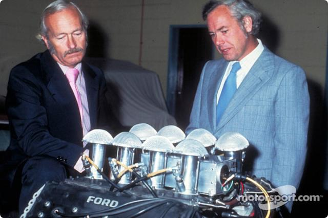 "Colin Chapman y Keith Duckworth <span class=""copyright"">Ford Motor Company</span>"
