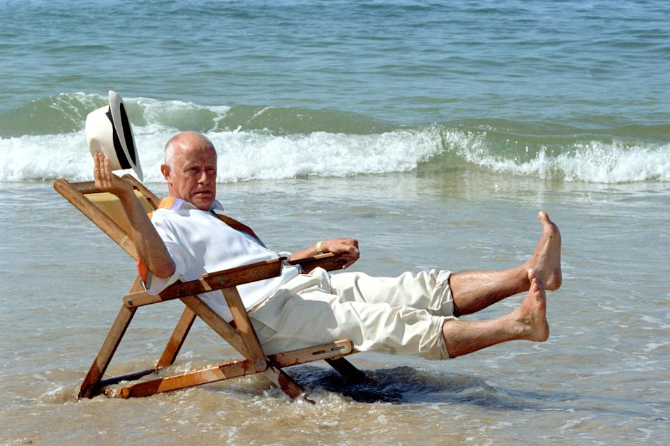 ACTOR RICHARD WILSON AS VICTOR MELDREW ON LOCATION IN PORTUGAL TO FILM THE BBC-1 FEATURE-LENGTH