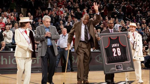 """Steve """"Snapper"""" Jones established his basketball legacy on and off the court. He died this past weekend at the age of 75. (NBC Sports)"""