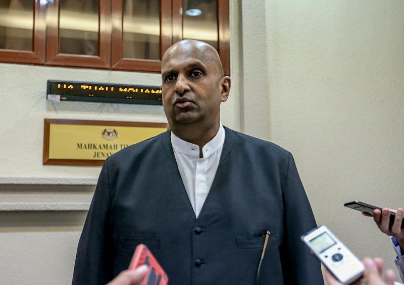 Arul Kanda's lawyer Datuk N. Sivananthan speaks to reporters at the Kuala Lumpur Court Complex August 21, 2019. — Picture by Firdaus Latif