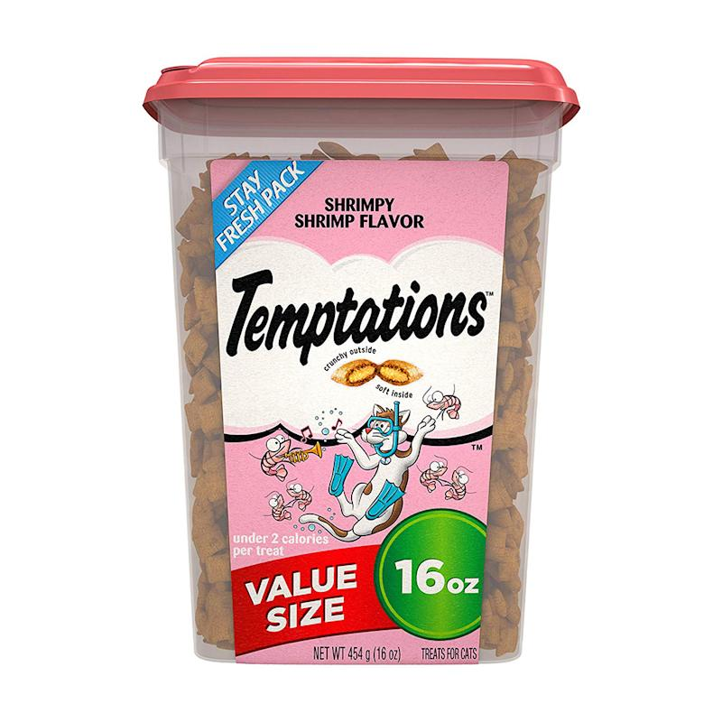 Score a value-sized tub of these popular cat treats at a discount, today only. (Photo: Amazon)