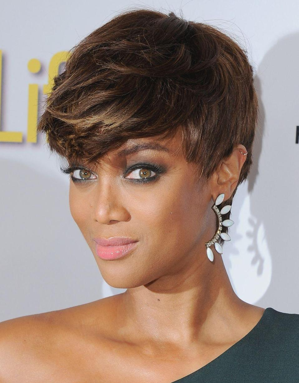 <p>The beauty chameleon has tried—and pulled off—nearly every hair length flawlessly, including this side-swept crop.</p>