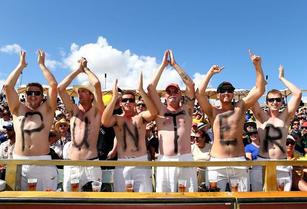 Spectators show their support for Ricky Ponting during day one of the Third Test Match between Australia and South Africa at WACA on November 30, 2012 in Perth, Australia.  (Photo by Paul Kane/Getty Images)