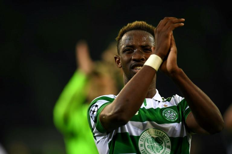 Celtic's striker Moussa Dembele applauds after the UEFA Champions league Group C football match against Borussia Moenchengladbach November 1, 2016