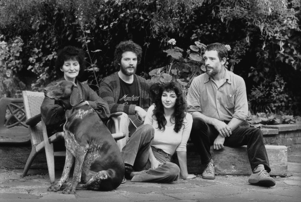 Bush with her mother, Hannah Daly, and her brothers Paddy and John in 1978Getty