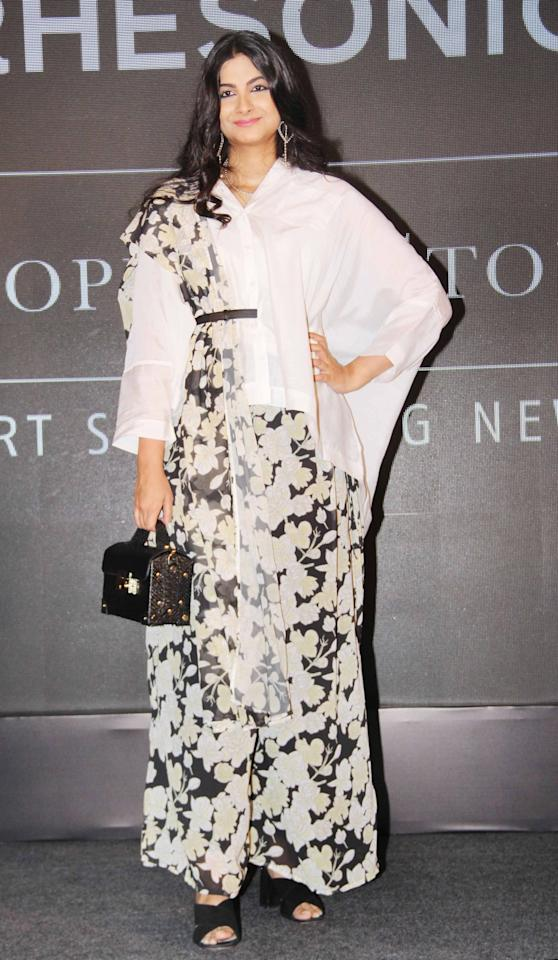 <p>Stylist and sister of Sonam Kapoor, Rhea's black and white montone outfit is a modern and a very stylish take on a traditional sari. </p>