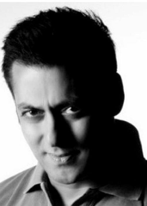 "<b>1. Salman Khan</b><br><br><a href=""http://www.mensxp.com/entertainment/bollywood/4375-being-salman-khan-his-style-statement.html"">Salman Khan</a>  has, once again, become the favourite child of Bollywood with his films  striking gold at the box-office one after the other. He was a major  stars in the 90's with films like 'Maine Pyar Kiya' and 'Hum Aapke Hai  Kaun' establishing him as the top star of the time. He was the ultimate  pin-up boy then and still is, at the age of 45. His last films,  'Wanted', 'Dabangg' and 'Ready' resurrected his career and took him back  to the top, making him the highest paid actor in Bollywood.With his  latest offering, '<a href=""http://www.mensxp.com/entertainment/bollywood/5491-salman-khans-bodyguard-launches-trailer-debuts-in-bodyguard.html"">Bodyguard</a>' being hugely talked about, we're sure this will only be another glorious feather in his cap."