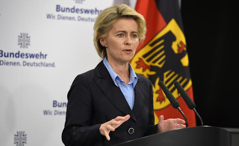 German Defence Minister Ursula von der Leyen gives a press statement on August 31, 2014 in Berlin (AFP Photo/Tobias Schwarz )