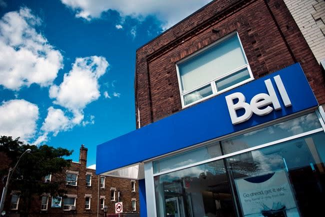 Bell joins Rogers with 'unlimited' data plans, Telus takes different path