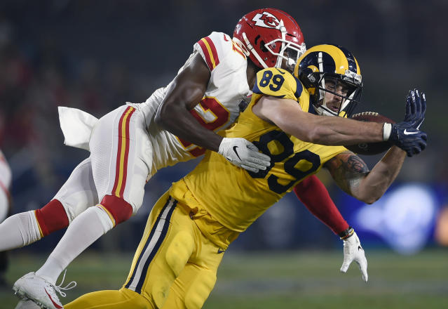 Los Angeles Rams tight end Tyler Higbee (89) catches a pass in front of Kansas City Chiefs strong safety Eric Murray on Monday night. (AP)